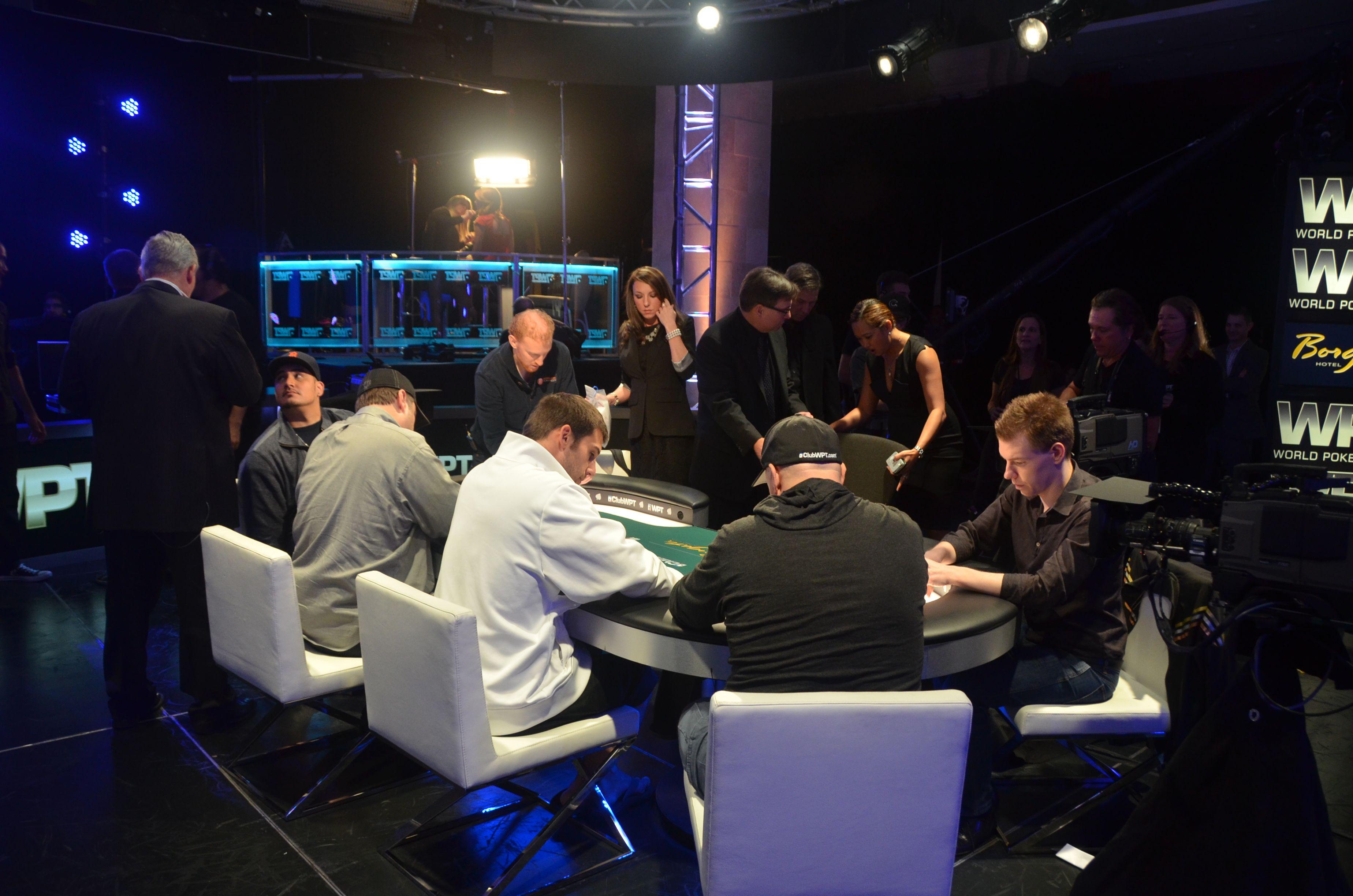 покере в финальный стол онлайн