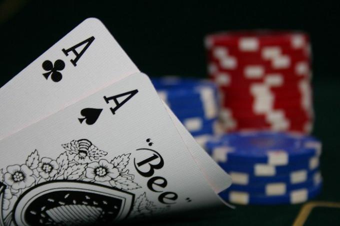 Начать Играть В Покер